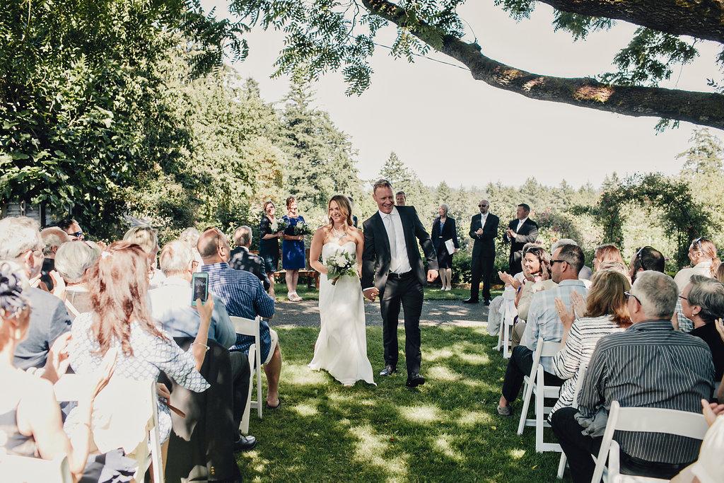 Starling Lane Vineyard wedding on Vancouver Island