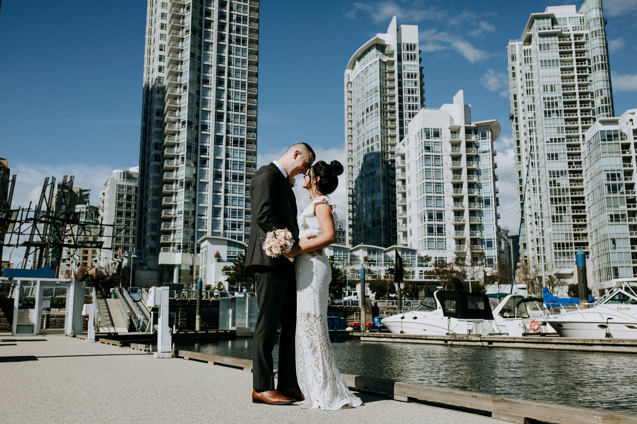 Yaletown elopement on the Vancouver Seawall