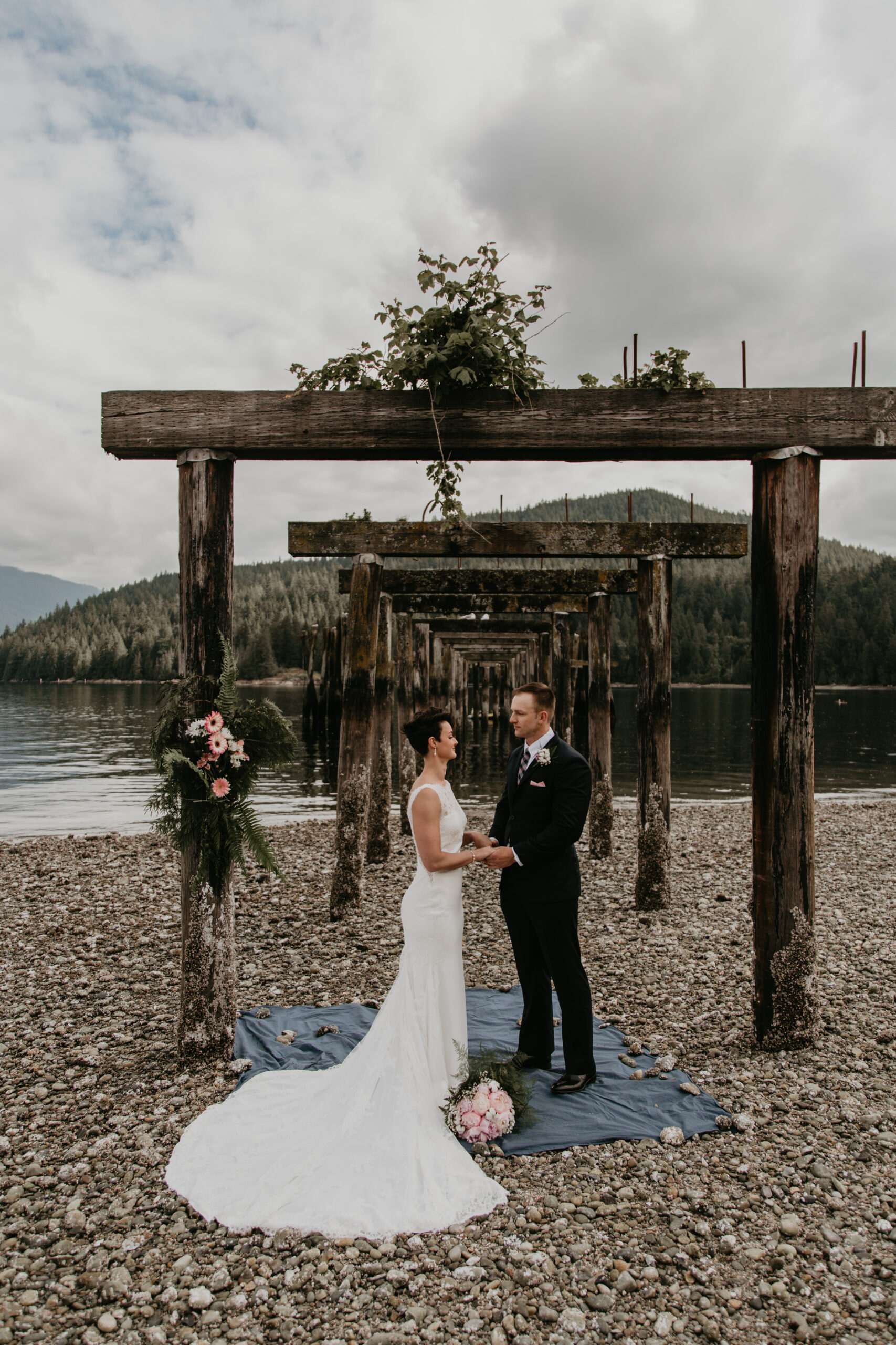 Vancouver elopement at Barnet Marine Park