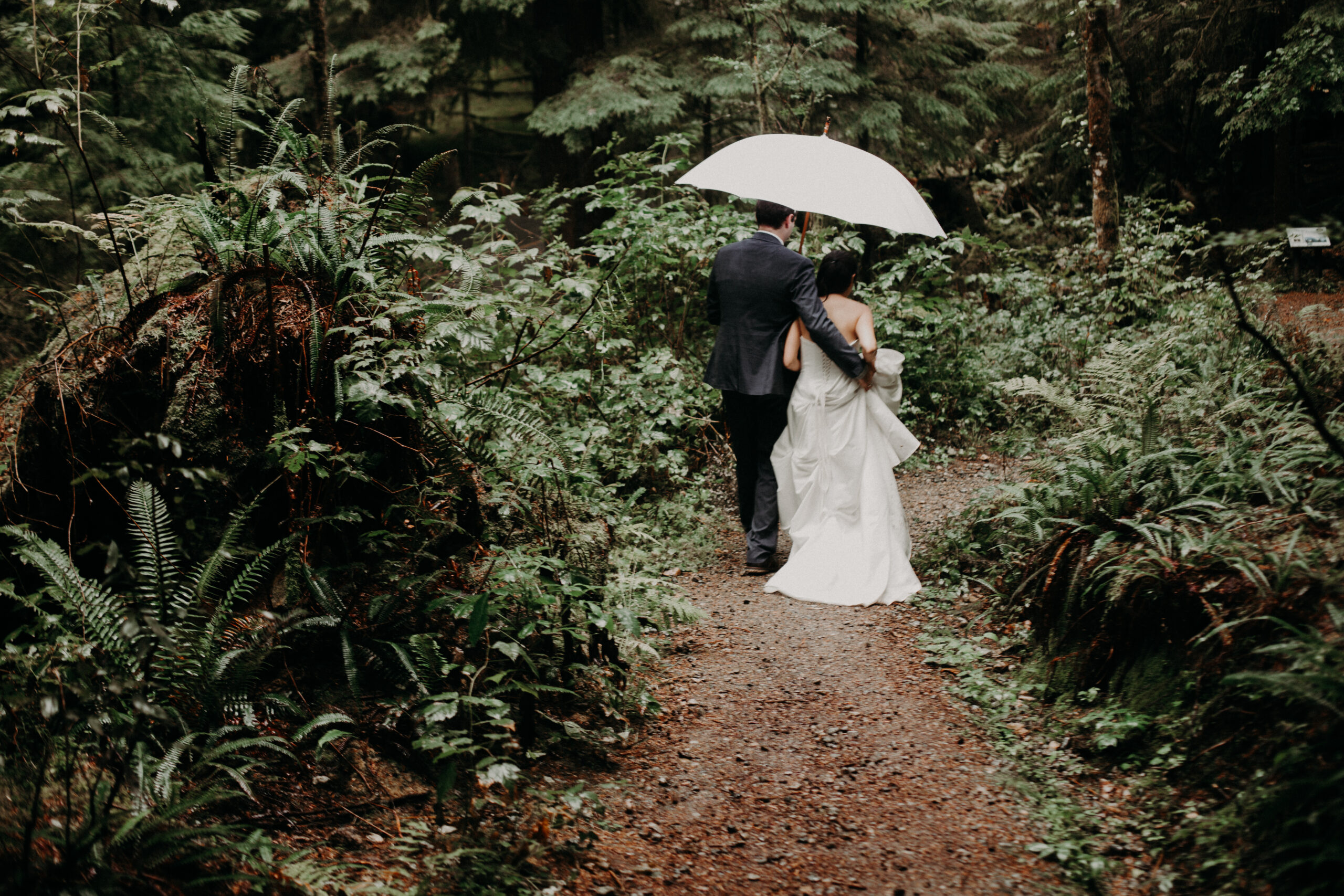 Vancouver elopement at Buntzen Lake