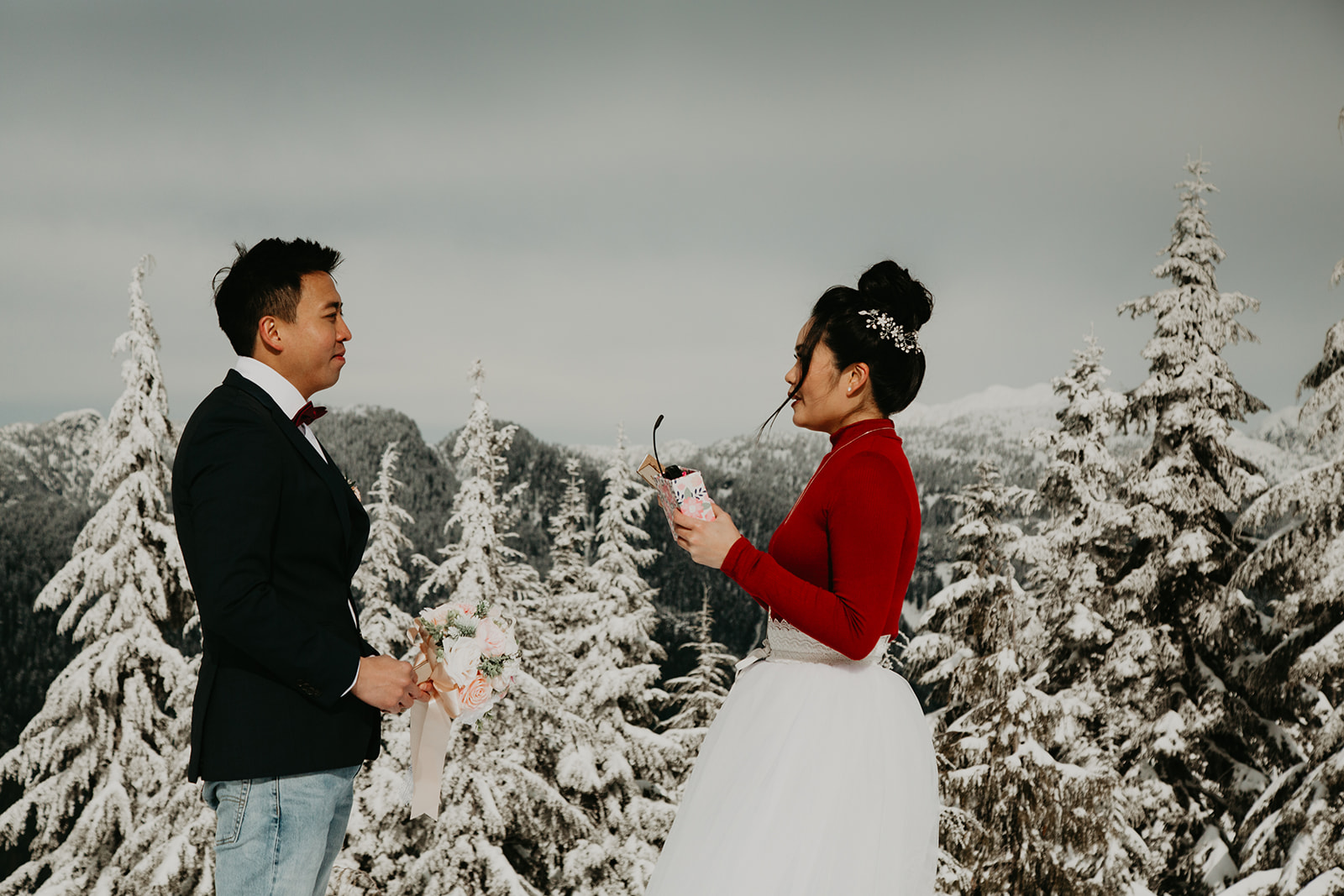 newlyweds exchanging traditional wedding vows at Dog Mountain in Vancouver